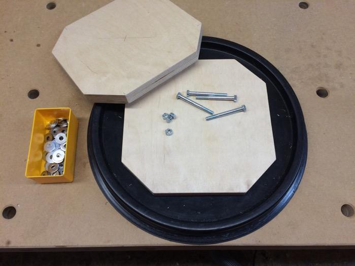 Verstärkung des Fass-Deckels mit Multiplexplatten