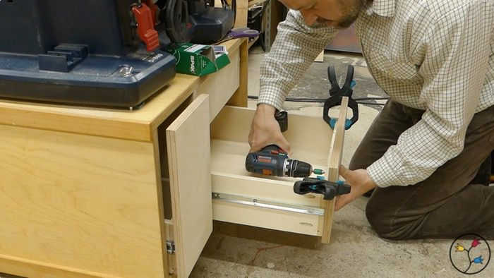 _hhw-drawers-table-saw-cabinet-fotos-blog_033